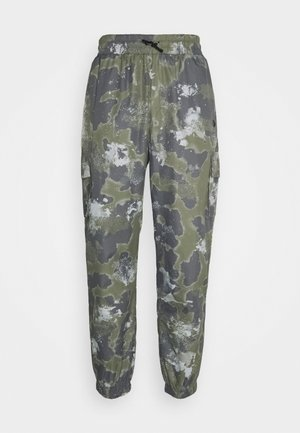 NEW ERA OUTDOOR UTILITY TRACK PANT - Club wear - dark green