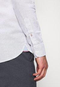Tommy Hilfiger - SLIM MICRO PRINT - Shirt - white - 6
