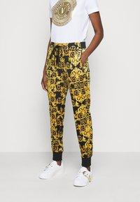 Versace Jeans Couture - Teplákové kalhoty - black - 2