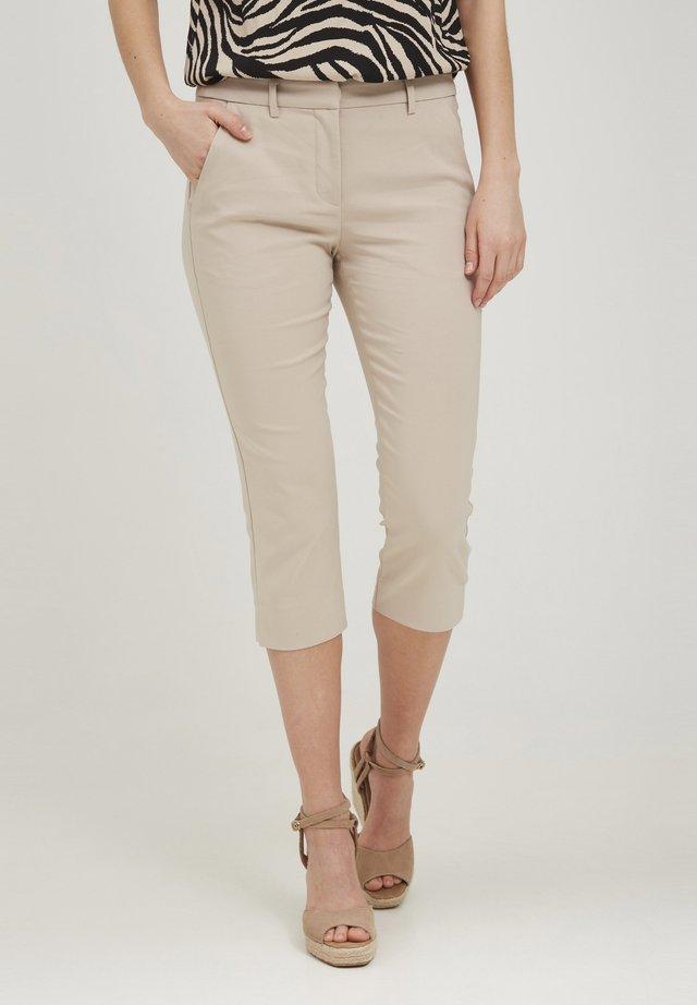 CAPRI - Shorts - oxford tan