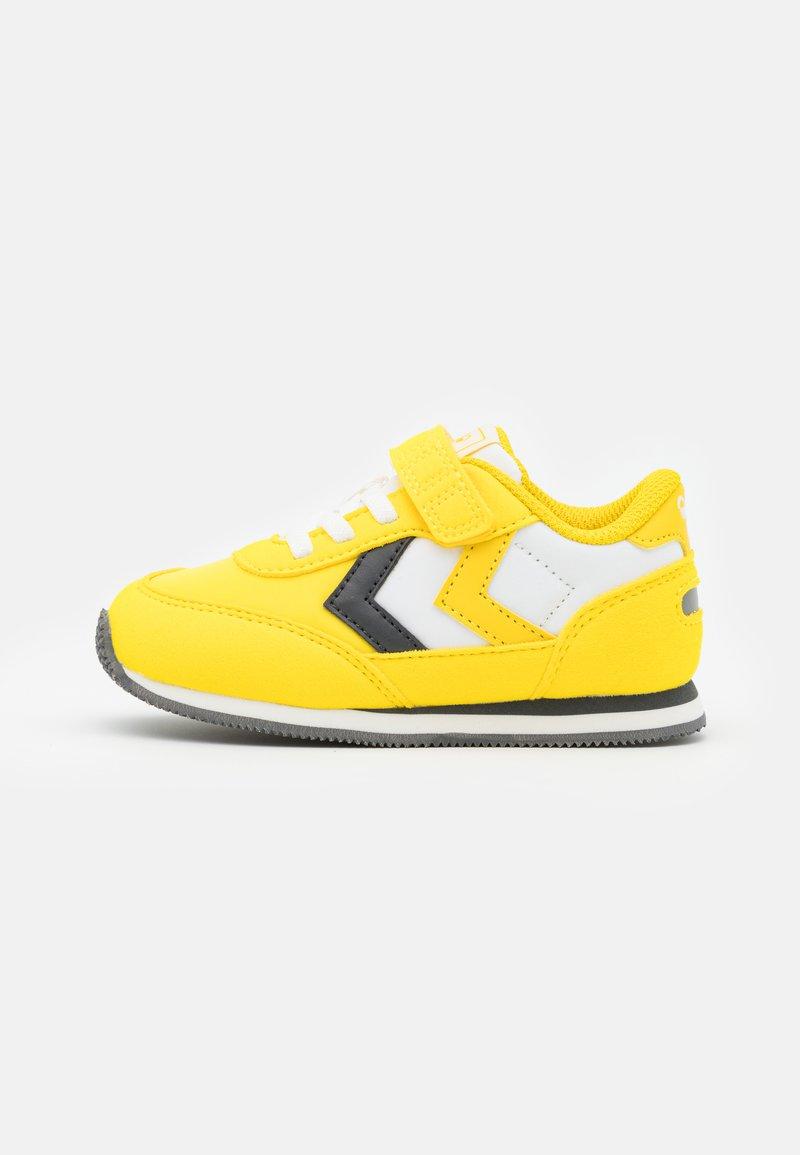 Hummel - REFLEX INFANT UNISEX - Sneakers laag - yellow