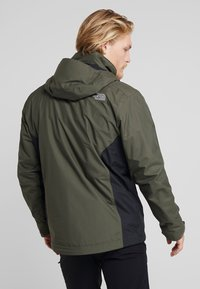 The North Face - EVOLUTION II TRICLIMATE 2-IN-1 - Hardshelljacka - new taupe green/black - 2