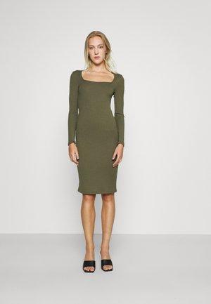 VMPOLLY SQUARE NECK DRESS - Enostavna obleka - ivy green
