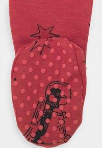 Cotton On - BABY BUNDLE GIFT BAG SET - Regalo per nascita - red brick - 3
