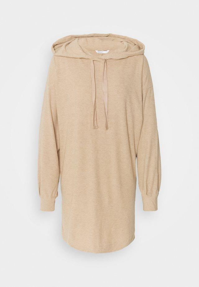 ONLZOE DRESS - Denní šaty - beige