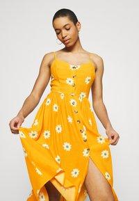 Mavi - BUTTON DRESS - Kjole - yellow spaced - 4