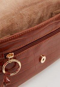 Inyati - IDA - Bum bag - brandy brown croco - 4