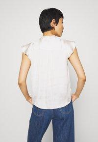 Banana Republic - FLUTTER SLEEVE TIE NECK SOLIDS - Basic T-shirt - snow day - 2