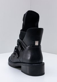 Betsy - Classic ankle boots - schwarz - 4
