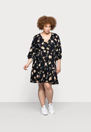 PCGLYDA WRAP DRESS CURVE - Kjole - black