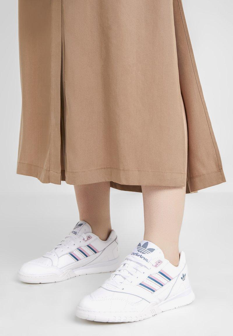 adidas Originals - A.R. TRAINER  - Trainers - footwear white/true pink/tech mint