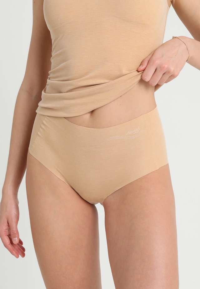 ZERO-FEEL NATURAL HIGHWAIST BRIEF - Alushousut - cognac