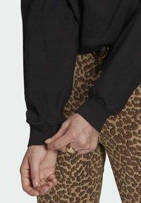 adidas Originals - HOODIE - Jersey con capucha - black - 4