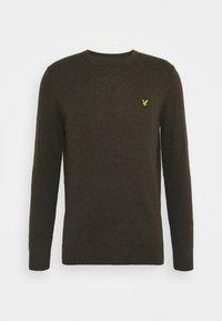 Lyle & Scott - CREW NECK JUMPER - Stickad tröja - trek green marl - 3