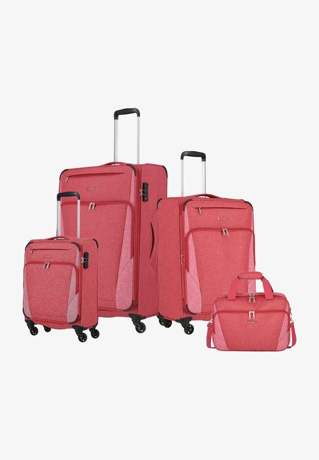 4 SET - Luggage set - rot