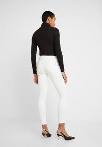 Mavi - ADRIANA - Jeans Skinny Fit - off white washed down - 2