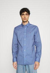 Tommy Hilfiger - FLEX GEO FLORAL PRINT REGULAR FIT - Shirt - copenhagen blue/white/ yale navy - 0