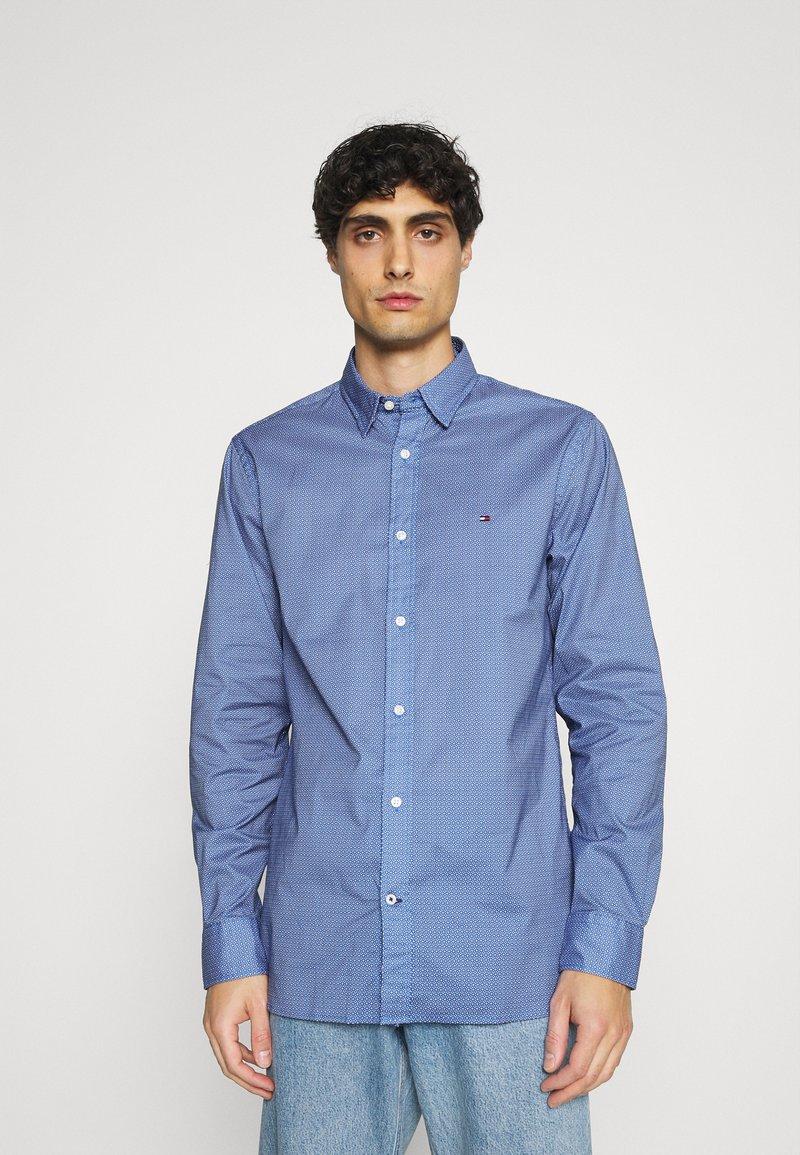 Tommy Hilfiger - FLEX GEO FLORAL PRINT REGULAR FIT - Shirt - copenhagen blue/white/ yale navy