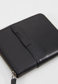 KIOMI - Wallet - black