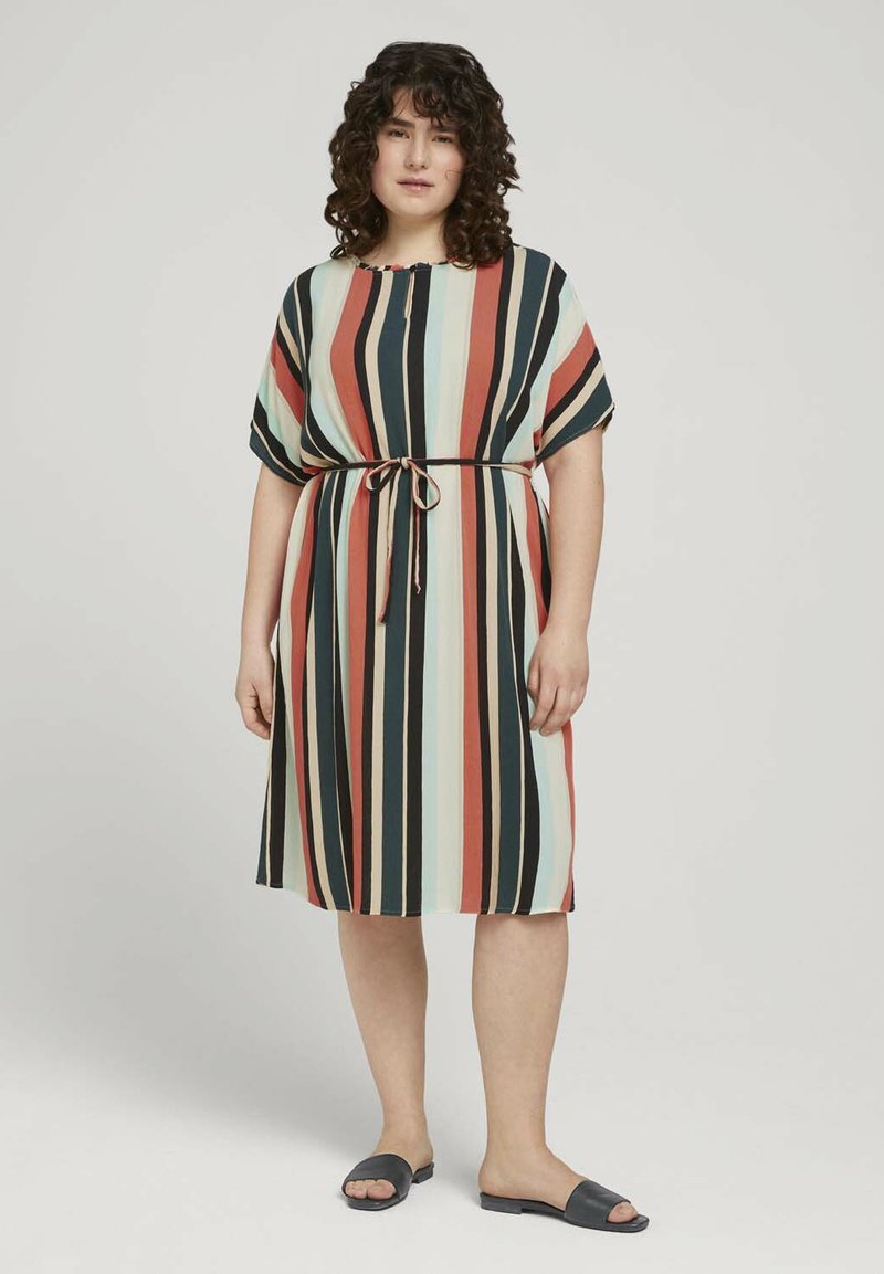 MY TRUE ME TOM TAILOR - DRESS KEYHOLE NECKLINE BELTED - Day dress - multicolor sahara
