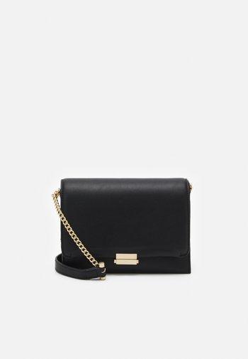 SAVANNAH CROSS BODY BAG - Across body bag - black