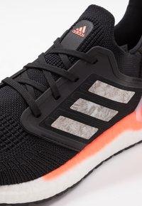 adidas Performance - ULTRABOOST 20 PRIMEKNIT RUNNING SHOES - Zapatillas de running neutras - core black/footwear white/signal coral - 5