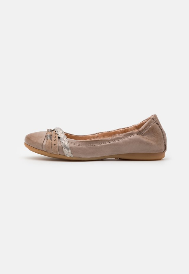 CHANTAL CHANTALLY - Ballet pumps - gazzella/fossile