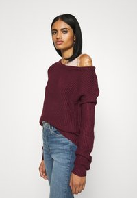 Missguided - OPHELITA OFF SHOULDER JUMPER - Pullover - burgundy - 3