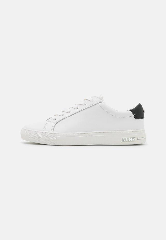COURT - Sneakersy niskie - white