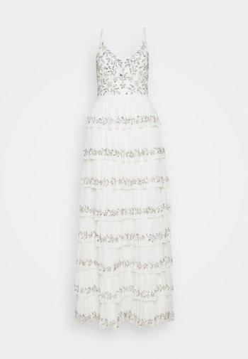TIERED EMBELLISHED CAMI DRESS - Vestido de fiesta - white