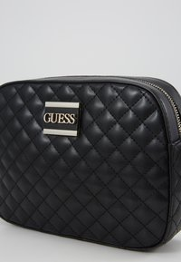 Guess - KAMRYN CROSSBODY TOP ZIP - Sac bandoulière - black - 3