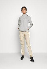 Nike Sportswear - HOODIE - Zip-up hoodie - mottled grey - 1