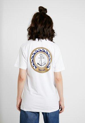 LADIES MOIN MOIN TEE - T-shirt med print - white