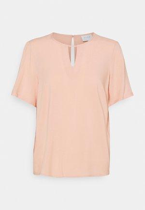 VILANA KEY HOLE - T-shirts - misty rose