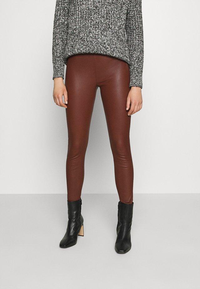 SFSYLVIA STRETCH - Leather trousers - cherry mahogany