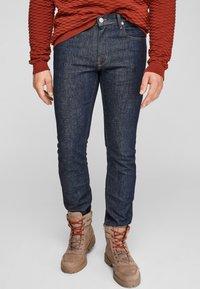 s.Oliver - SLIM: SLIM LEG - Slim fit jeans - dark blue - 0