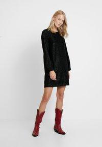 Vero Moda Tall - VMISOLDA SHORT DRESS TALL - Cocktailklänning - black - 2
