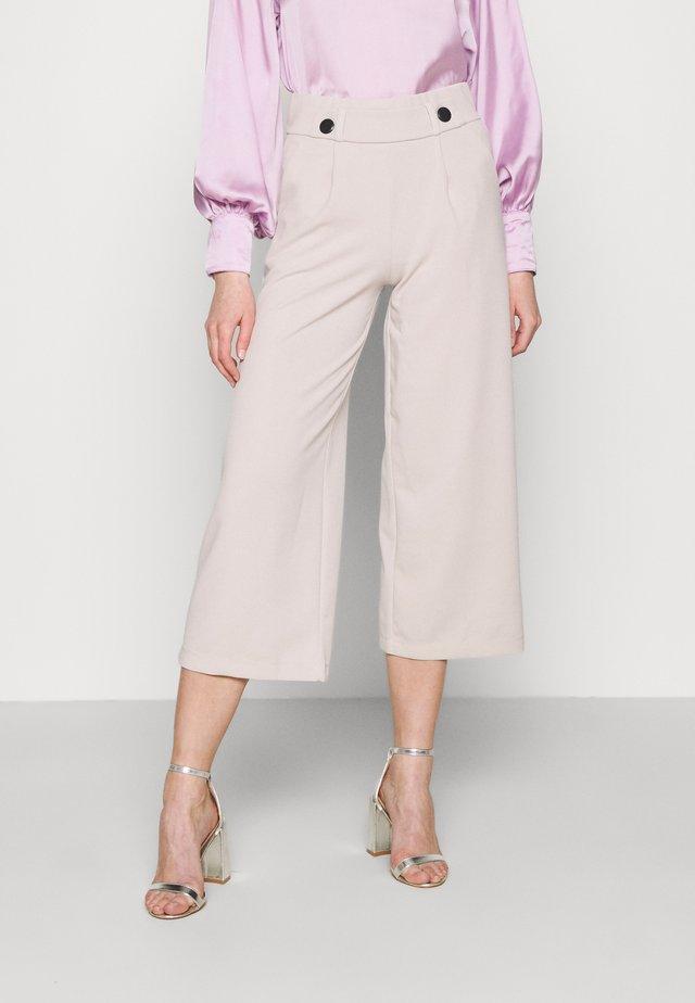 JDYGEGGO NEW ANCLE PANTS - Pantalones - chateau gray