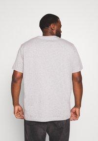Belstaff - Big & Tall BELSTAFF - Basic T-shirt - grey melange - 2