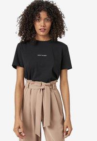 HALLHUBER - Print T-shirt - black - 0