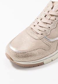 Tamaris Pure Relax - LACE-UP - Sneakers laag - champagne - 2