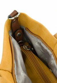 Emily & Noah - ELKE - Shopping bag - yellow - 7
