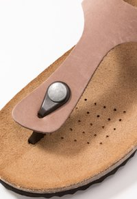 Geox - STHELLAE - Sandály s odděleným palcem - taupe - 2