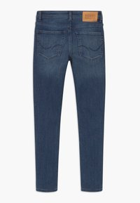 Jack & Jones Junior - JJILIAM JJORIGINAL - Slim fit jeans - blue denim - 1
