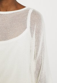 Marc O'Polo PURE - SLIT DETAIL AT SIDESEAM  - Sweter - natural white - 5