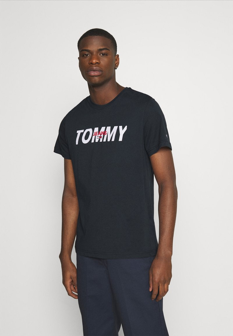 Tommy Jeans - LAYERED GRAPHIC TEE  - Print T-shirt - twilight navy