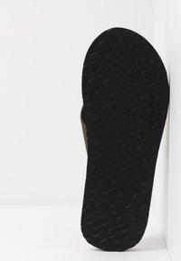 Barbour - TOEMAN BEACH - Sandály s odděleným palcem - olive - 4