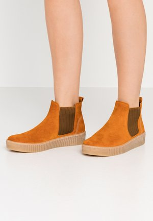 Ankle boots - cayenne curry