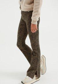 WE Fashion - MET DESSIN - Broek - light brown - 2