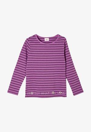 Long sleeved top - dark pink stripes